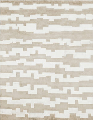 Light gray carpet made in wool and silk whose design is made of stripes of irregular shape